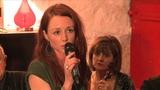 Lisa Murphy sings 'Si