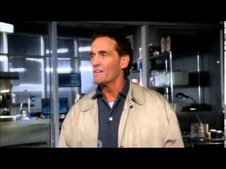 The Flash - Barry saves his dad, reveals identity as The Flash (S1. Ep.17)
