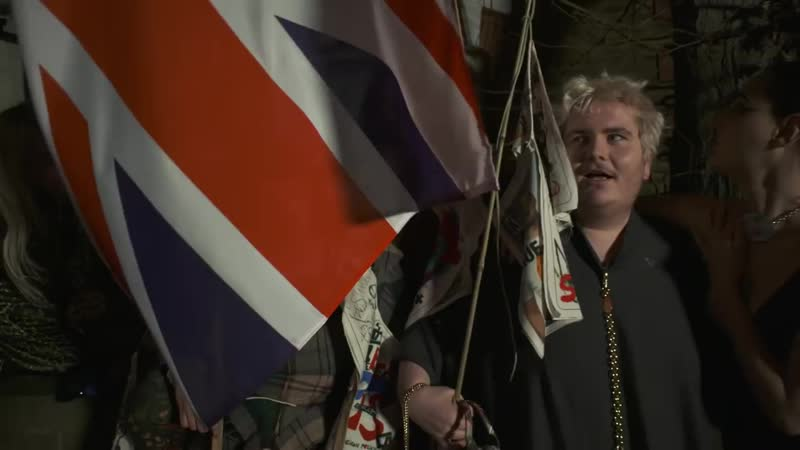 Vivienne Westwood Autumn_Winter 18-19 Film _ Dont Get Killed