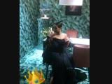 Рианна за кулисами презентации Rihanna x Chopard (Канны, 18.05.2017)