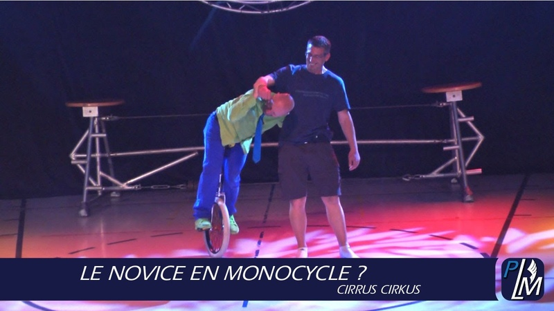Le novice en monocycle Cirrus Cirkus