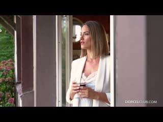 Claire castel - is coming on demand [solo]