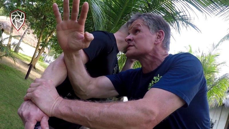 German Chief Police Instructor On Knife Defense!