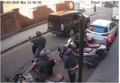 В Великобритании осудили банду мопедистов