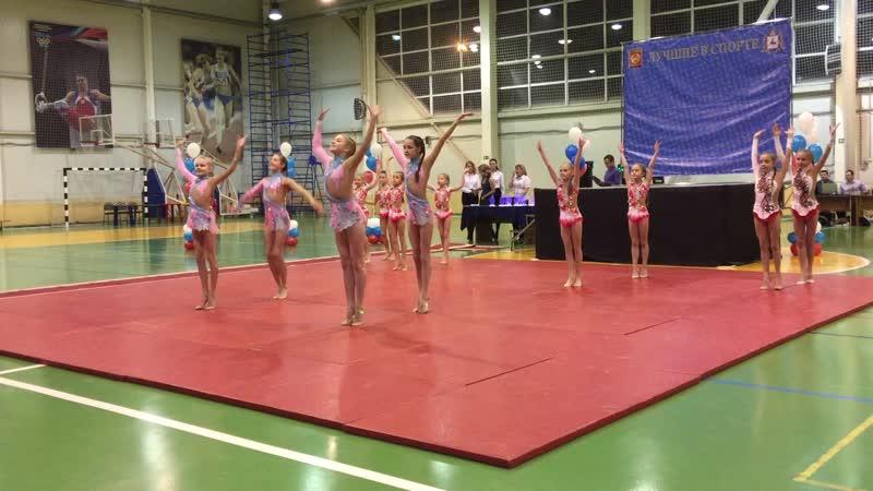 Художественная гимнастика - показательное выступление