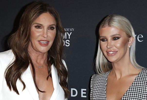 Кейтлин Дженнер женится на трансгендерной модели, которая на 48 лет младше ее. Личная жизнь Брюса Дженнера, который три года тому назад решил изменить свой пол, похоже, окончательно наладилась.