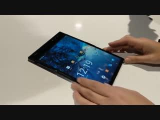 На CES 2019 привезли новый складной смартфон с гибким экраном