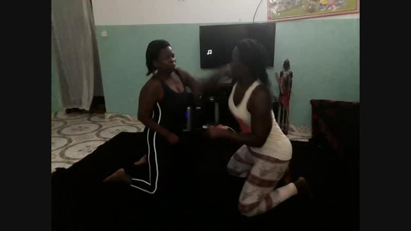 African catfight 1