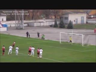 Вратарь отбил пенальти головой