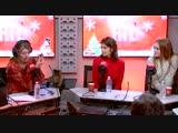 Лили-Роуз Депп и Летиция Каста на радиостанции RTL