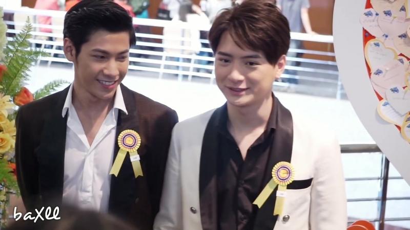 """180408 Singto_u0026Krist - ก่อนเข้างานรับรางวัล _""""คนไทยตัวอย่าง_"""" @ ศูนย์ประชุมสถาบันวิจัยจุฬาภรณ์"""