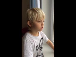 Милый  Малыш читает стих для нас взрослых  - Контролируй свои соблазны