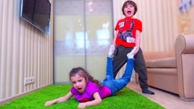 Аминка НЕ ХОЧЕТ Идти в КИНО! Камиль НЕ ЗНАЕТ как УГОВОРИТЬ СЕСТРУ! Для Детей kids children