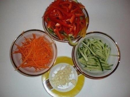 """Салат """"Фунчоза"""" с овощами!"""