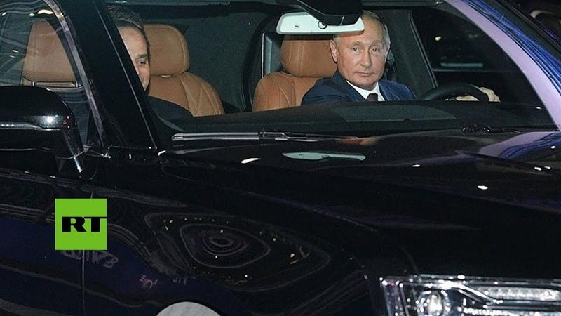 Putin y Al Sisi realizan un test drive con el auto ruso Aurus en la pista de F1 de Sochi