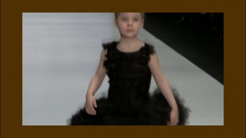 Mercedes Вenz Fashion Weeк 2017 малышки манекенщицы от Royal Schооl