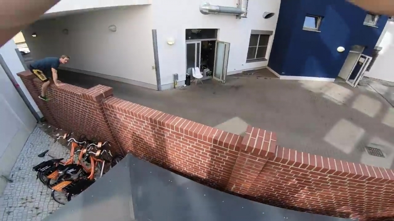 Thief vs Parkour POV Chase - Rooftop Run
