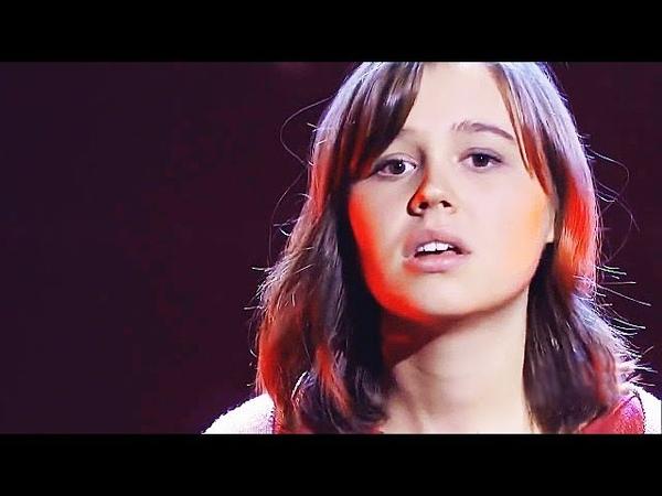 Она ВЗДОХНУЛА и начала ПЕТЬ. И как петь (She sighed and began to sing.)