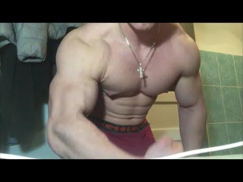 Bodybuilder Ivan Amazes With Huge Biceps