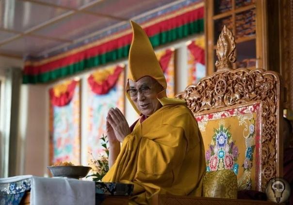 Как выбирают Далай-ламу Далай-лама духовный наставник и лидер всех последователей тибетского буддизма, который распространен, помимо Тибета, в Монголии, области Шерпа в Непале, а также в Бурятии