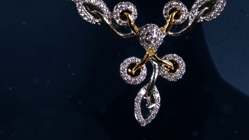 GRT Jewellers - Mesmerising Diamond Necklace Sets @ Just Rs.1,99,900