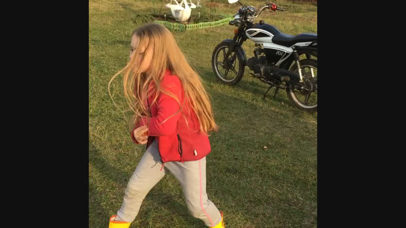 Импровизация дочки танцы на даче