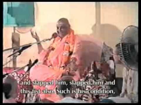 Sri Srimad Gour Govinda Swami speaks on - Accept Guru not Goru