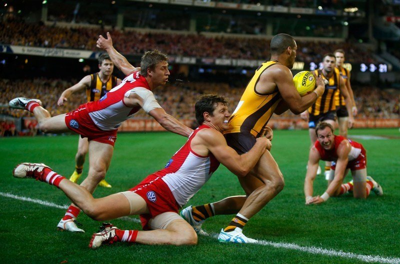Предотвращение травм при игре в австралийский футбол