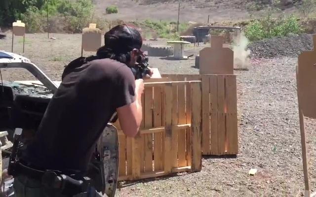 Whoa! Keanu Reevess Magnificent Gun Control - Spybreak