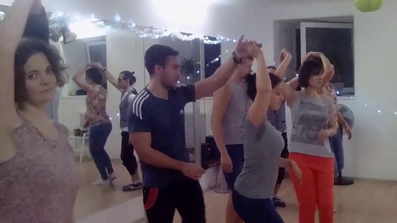 Урок бачаты в Школе танцев Чино - Pedro Pablo Con La Misma Piedra
