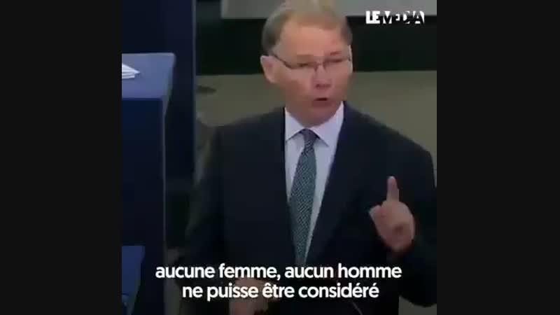 Ça se passe au parlement européen un eurodéputé belge interpelle Emmanuel Macron. Écoutez le pour avoir une idée de ce que pen
