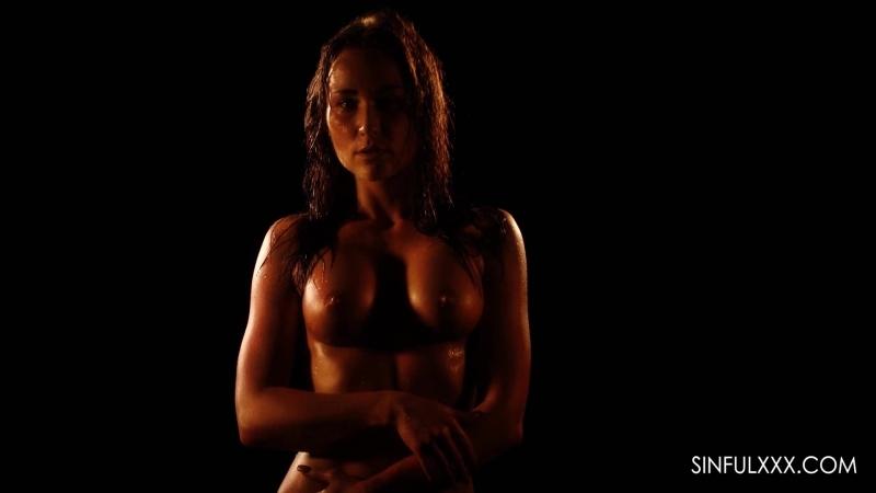 красивый эро порно ролик.влажное тело молодой мамочки.xxx por ero