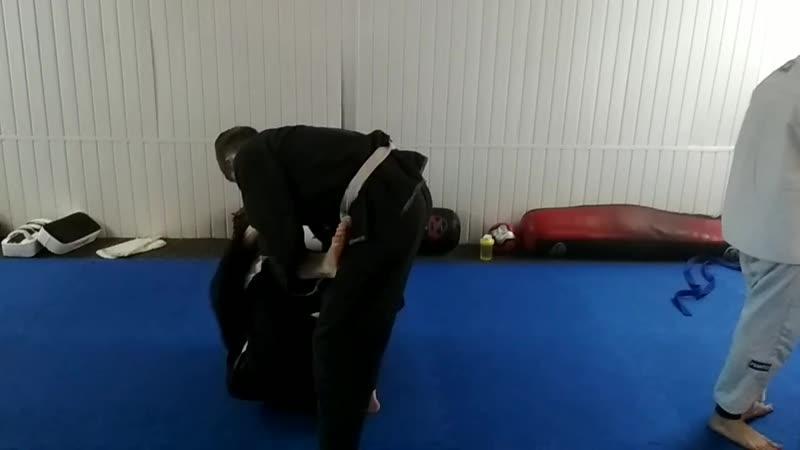 Тренировка по джиу-джитсу, во вторник.