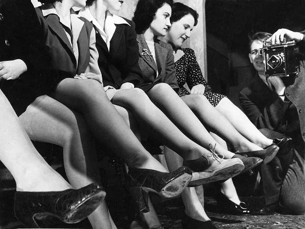 Чулки, пришитые к трусам. Как женщины в СССР «выживали» без колготок