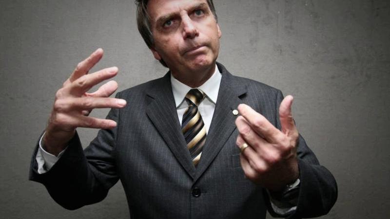 MORRENDO DE MEDO! Bolsonaro Entrega Atestado E Foge De Quatro Debates No Segundo Turno