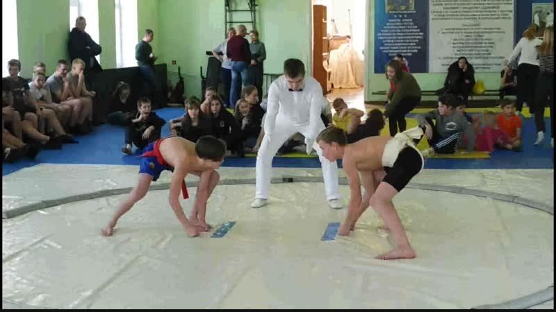 Масленников Александр в Первенстве г. Воткинска по сумо (3 место)