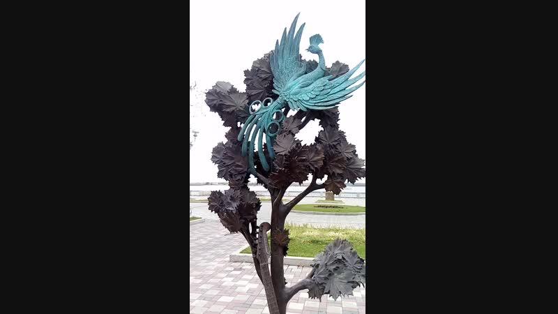 Памятник ПЕСНЕ «Там, где клён шумит»