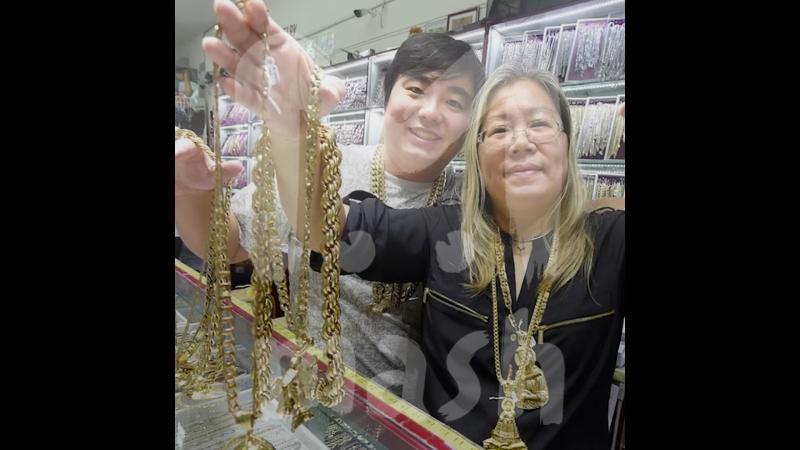Хип-хоп мама из Нью-Йорка, которая продает побрякушки мировым звездам