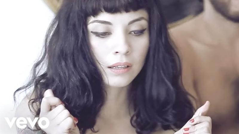 Mon Laferte - Amor Completo (Video Oficial)