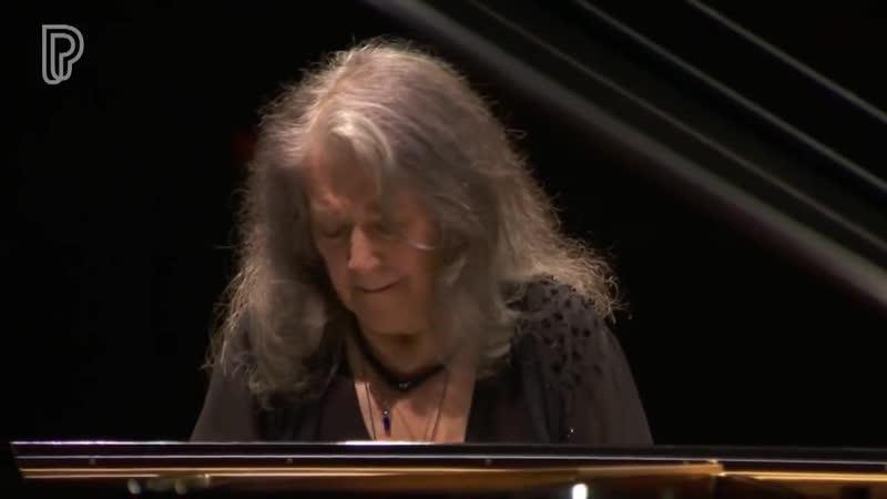 Martha Argerich (77 лет, 2018) - Schumann Piano Concerto - Youth Orchestra of Bahia~2