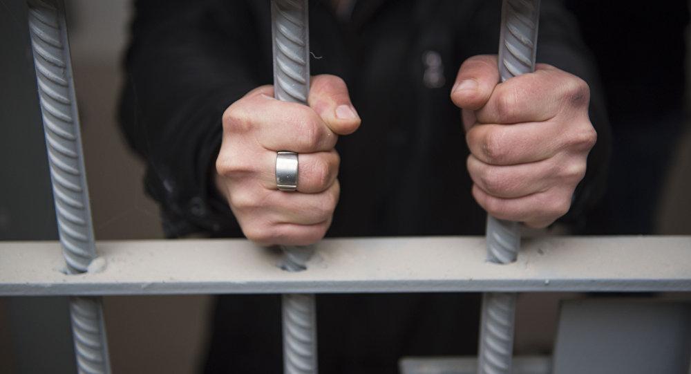 Под Таганрогом сотрудники полиции задержали отца и сына воров-рецидивистов, ограбивших женщину