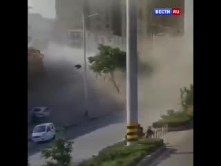 Мощный взрыв прогремел в городском квартале на востоке Китая.