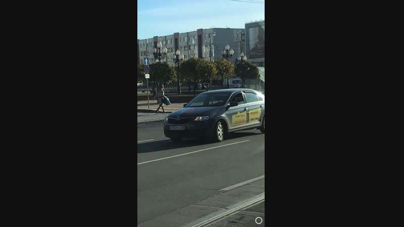 Калининград 26 10 2018 Таксист и двойная сплошная