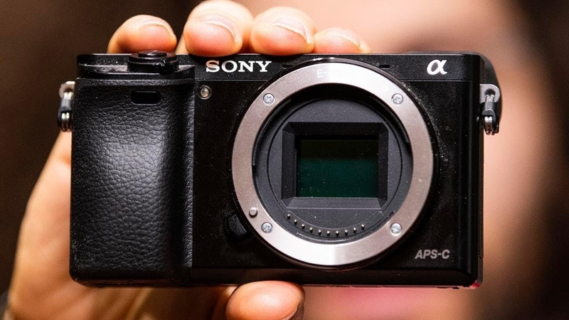 SONY a6400 PREVIEW | 11 FPS, 4K Video, NO IBIS, $900, BUT FLAWED