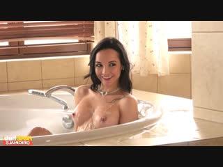 Francys Belle - Step Moms Surprise [2018 г., MILF, Latina, Lingerie, Brunette, Blowjob, Doggystyle, Hardcore, All Sex, Facial]