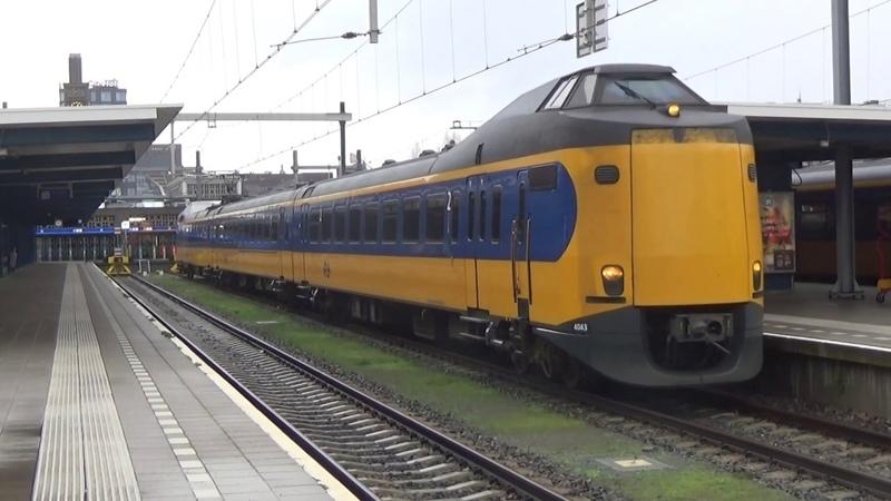 Vertrek van ICMm 4043 vertrekt in Enschede