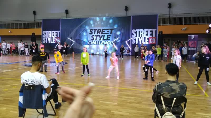 Первые шаги в танцах на ТНТ)