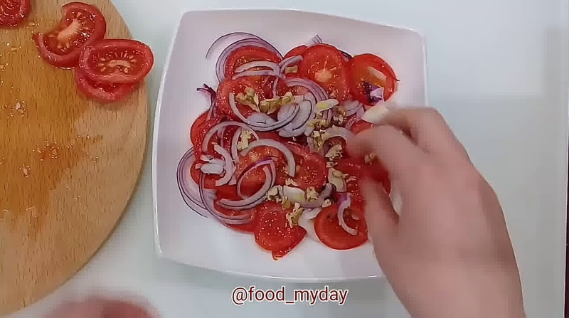 Обед • Салат из томата и граната «Неповторимый вкус»