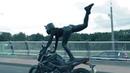 Танцы на мотоцикле прямо на дорогах Минска Черная пантера