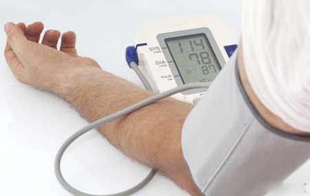 Дилатационную кардиомиопатию на ранней стадии можно лечить медикаментами, снижающими артериальное давление..Сердечная кардиомиопатия ➤